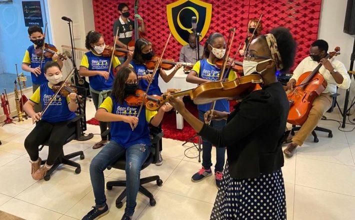 """Crianças do """"Projeto Maestro Quianzala Convida"""" em destaque"""