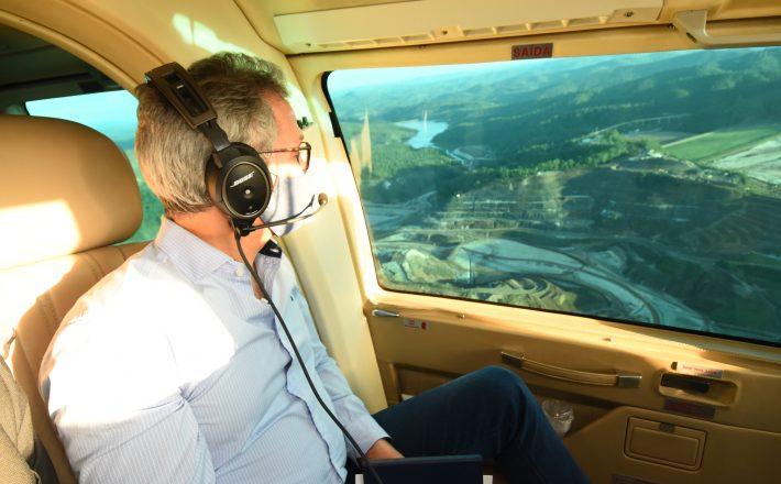 Romeu Zema participa de homenagem que marca os cinco anos do rompimento da barragem de Fundão, em Mariana