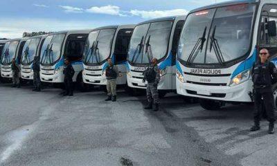 Minas recebe novos ônibus para o transporte de presos