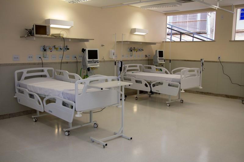 Secretário de Estado de Saúde visita nova ala de UTI do Hospital Júlia Kubitschek, em Belo Horizonte
