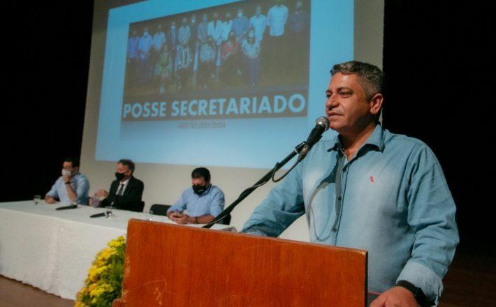 Nova gestão empossa secretariado