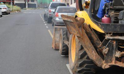 Trânsito interrompido em pontos do Centro e do bairro Francisco Duarte para reparos