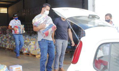 Prefeitura realiza mutirão de entrega de 800 cestas para combate à fome na pandemia