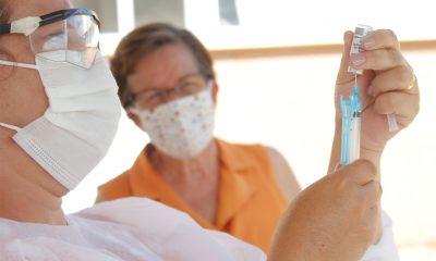 Araxá recebe mais de 6 mil doses de vacinas contra Covid-19