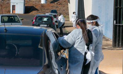 Araxá recebe mais 2.300 doses de AstraZeneca; trabalhadores de educação e outros grupos serão imunizados na próxima semana