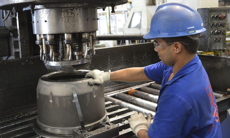 Indústria cresce em maio em 11 dos 15 locais pesquisados pelo IBGE