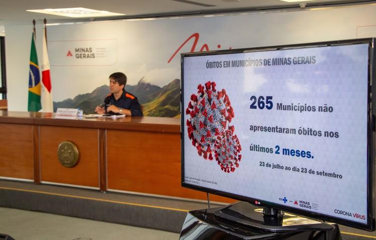 Mais de 47% dos mineiros acima de 18 anos já completaram o esquema vacinal