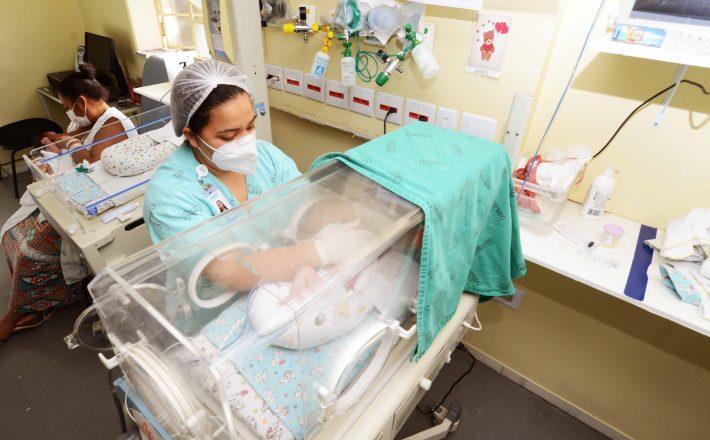 Melhorar atendimento a mães e bebês é foco de projeto estadual de assistência