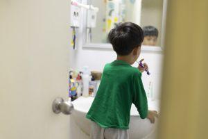 Higiene bucal infantil: rotina prazerosa para quem só pensa em diversão