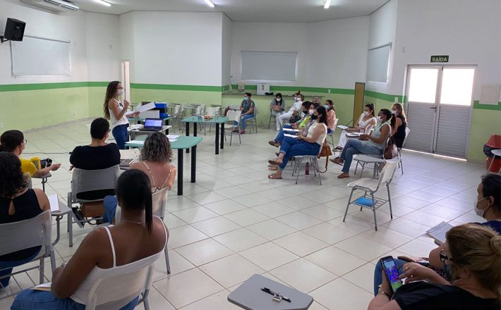 Servidoras da saúde participam de curso de aperfeiçoamento de vacinação