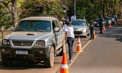 Prefeitura inicia atividades da Semana do Trânsito com blitz educativa no Barreiro