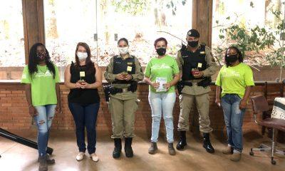 """POLÍCIA MILITAR E CREAS REALIZAM PALESTRA COM O TEMA """"VIOLÊNCIA DOMÉSTICA"""" EM ARAXÁ/MG"""