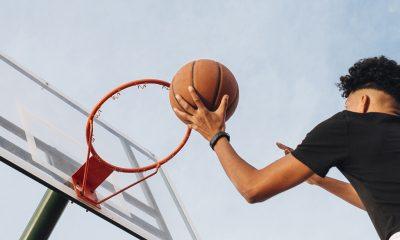 Parceria oferta aulas gratuitas de basquete para alunos da rede pública de Araxá