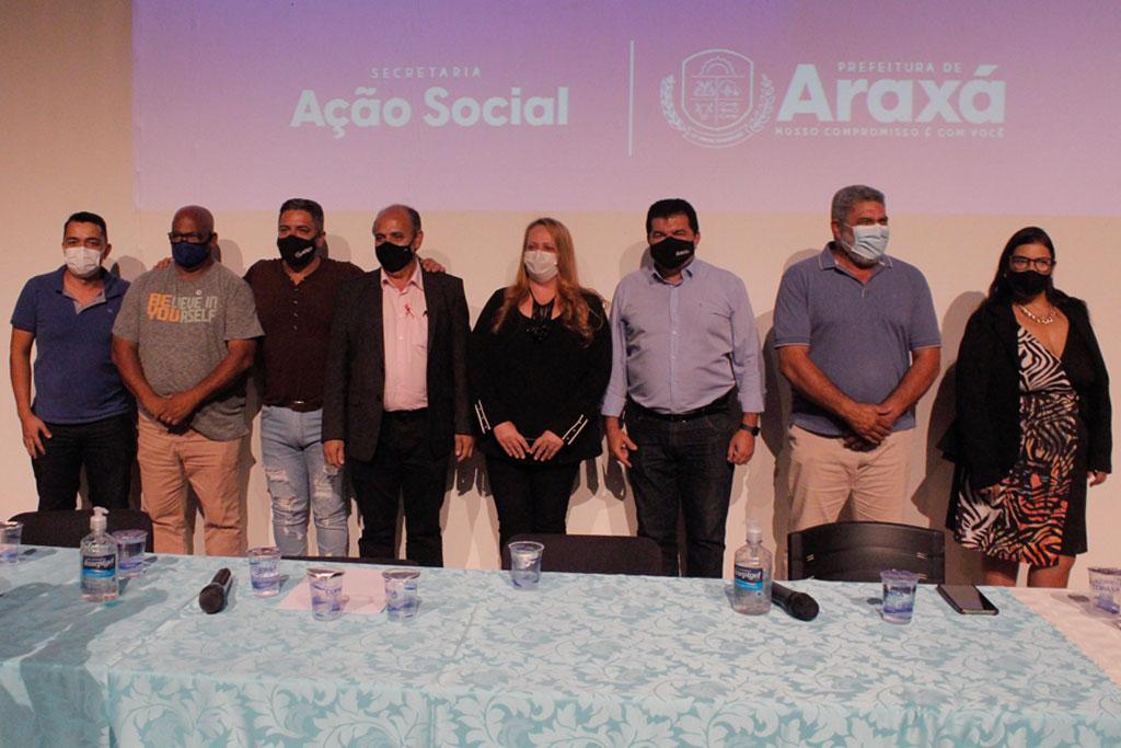 Prefeitura de Araxá contempla mais 32 famílias com escrituras definitivas